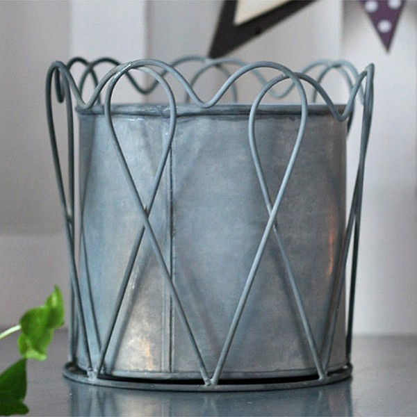 Zinc Pot Heart  - Large