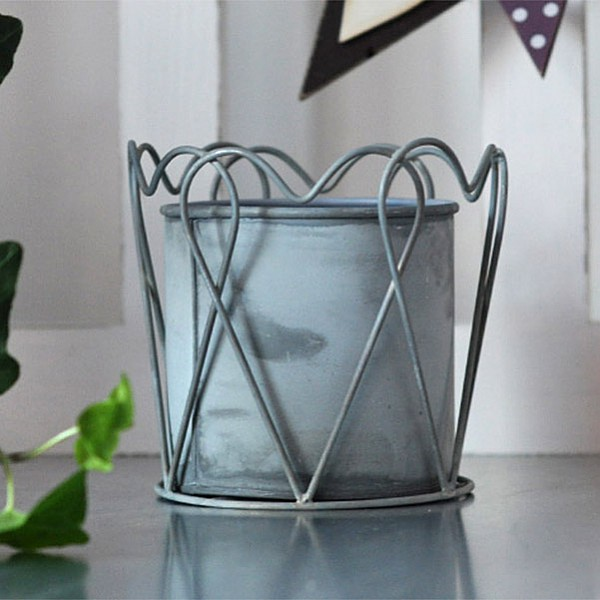 Zinc Pot Heart - Medium