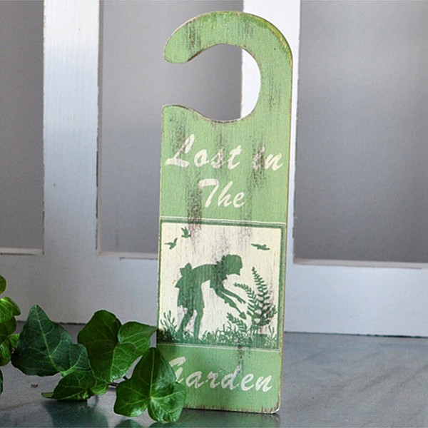 Door Sign - Lost in The Garden
