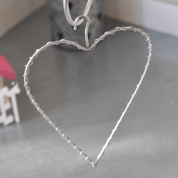 Hanging Heart in metal