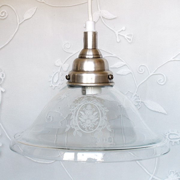 Pendant Lamp with frosted white decor