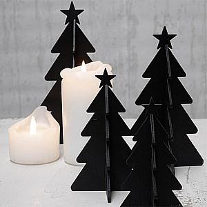 Julgran i trä med stjärna