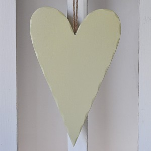 Wooden Heart Olive green - 27 cm