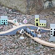 Trains & Train Tracks